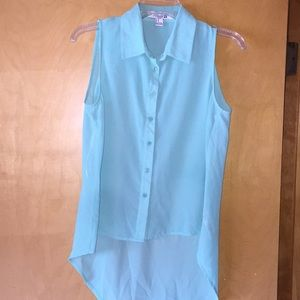 Sleeveless button down shirt
